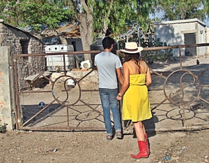 pulque entering gates