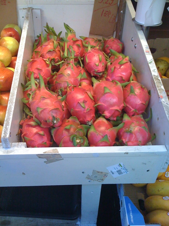 pittaya in box at market