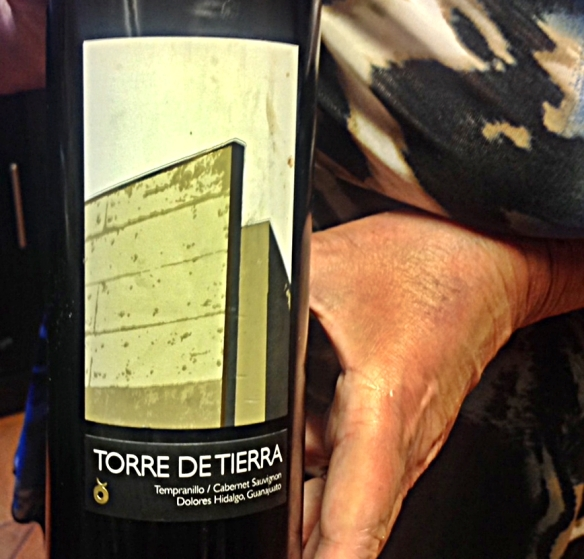torre de tierra red bottle