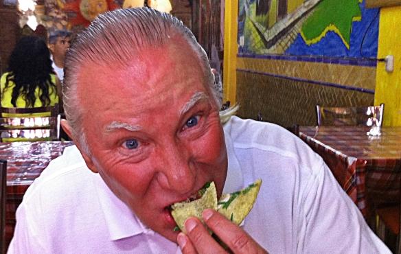 carnitas vicente stan eating