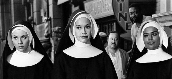 JANE ELLIOT MARY TYLER MOORE & BARBARA MCNAIR CHANGE OF HABIT (1969)