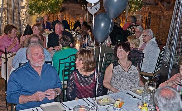 smarts big crowd at tables
